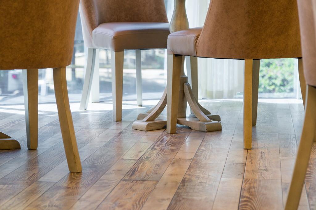 店舗で利用される床材にはどのような種類がある?