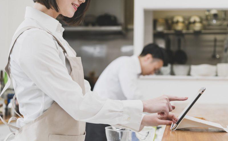 飲食店の店舗を立ち上げるには何が必要?オープンまでの流れは?
